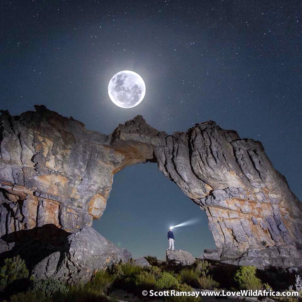 Cederberg Wolfberg Arch and Moon